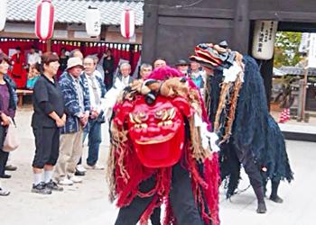 御田祭(粥占、獅子舞)